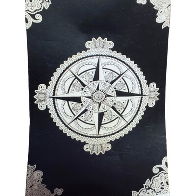 BLK/WHT COMPASS TAPESTRY