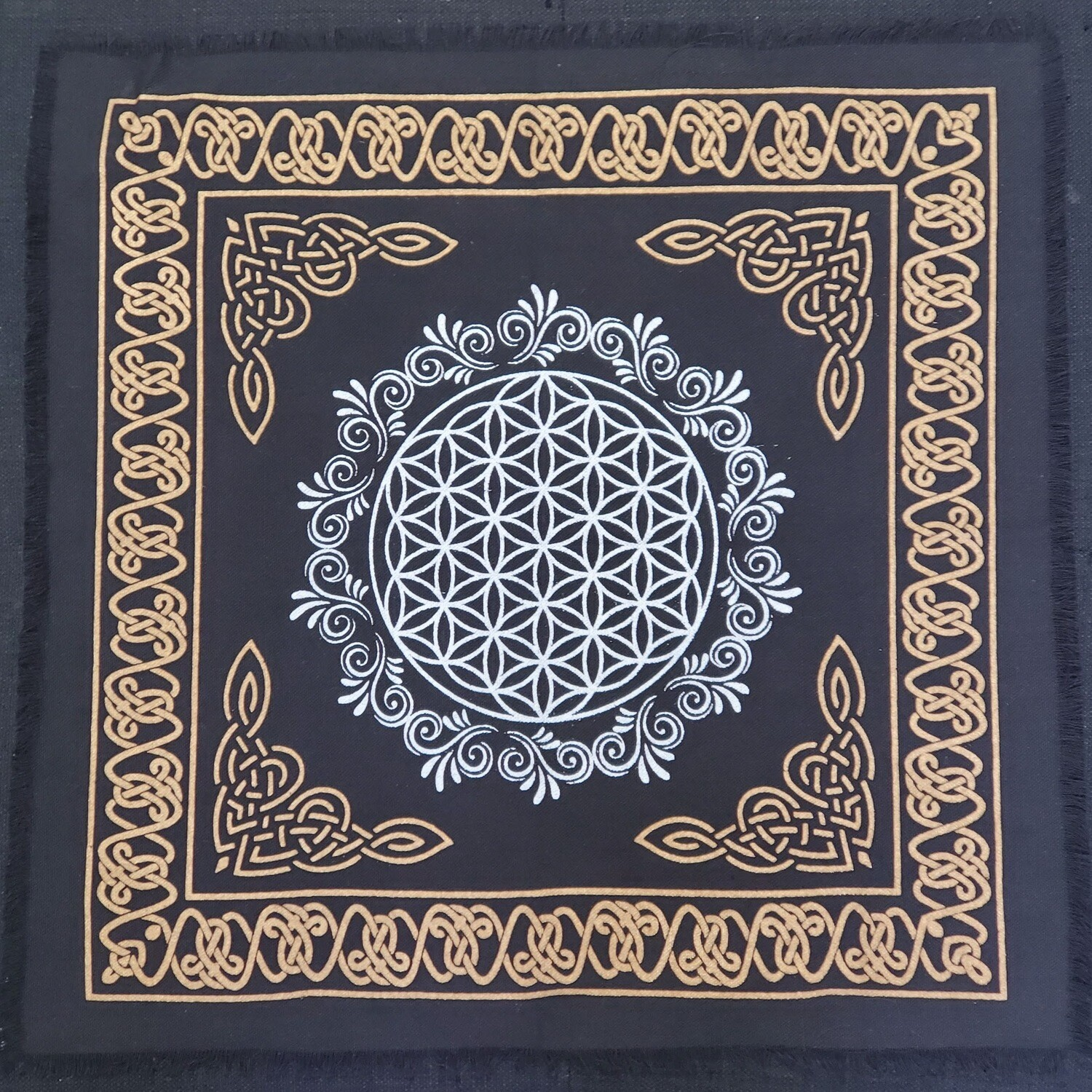 "FLOWER OF LIFE ALTAR CLOTH 18""x18"""