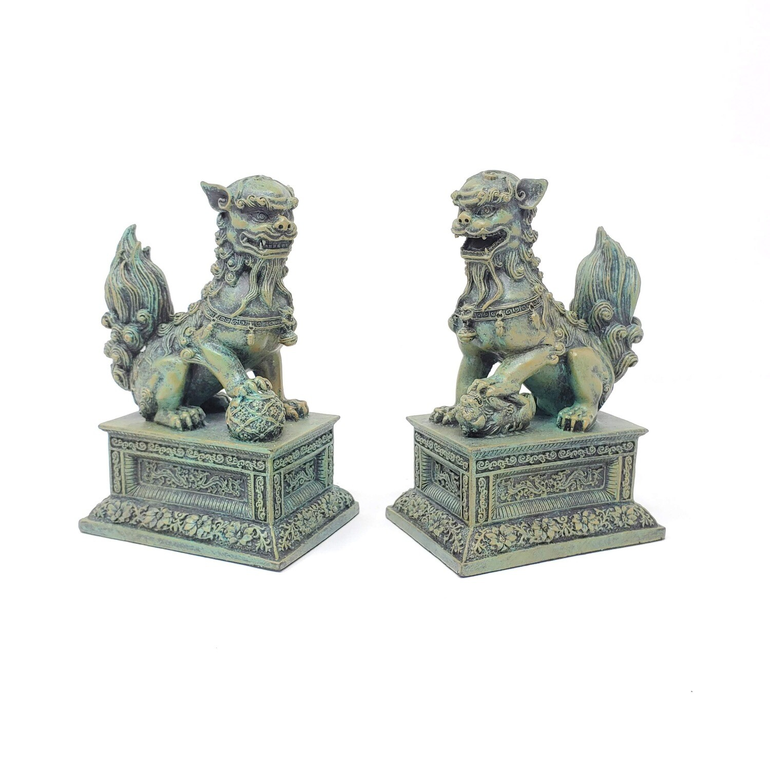 PAIR OF CHINESE LIONS