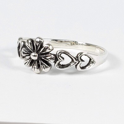 925 FLOWER W/ HEARTS RING
