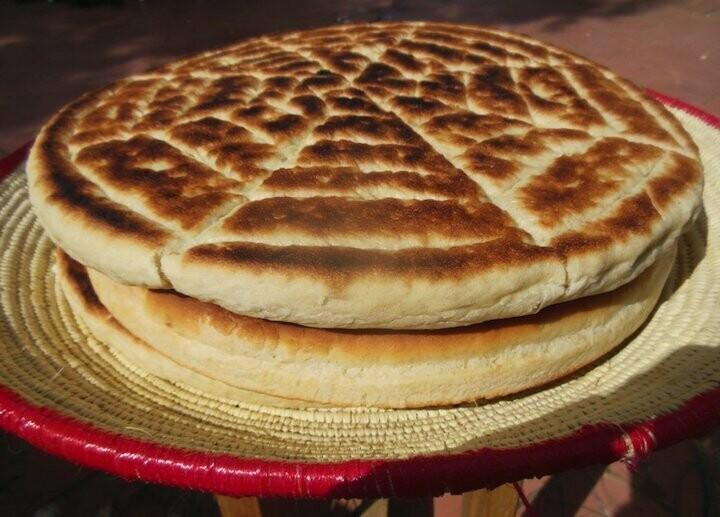 Round thin bread (ambasha dabo)