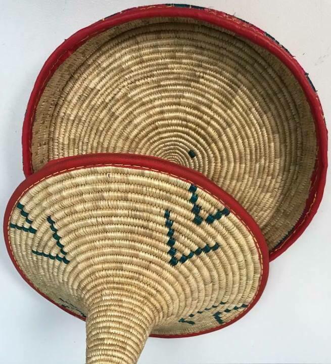 round thin spongy bread basket (injera moseb)