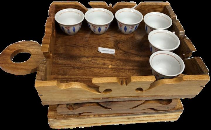 Light wood coffee table (jima rekebot)