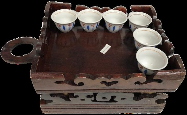 Brown wood coffee table (jima rekebot)