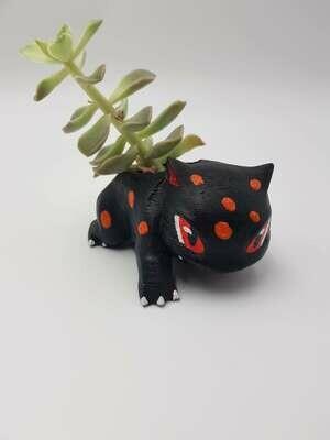 Black Ivysaur planter