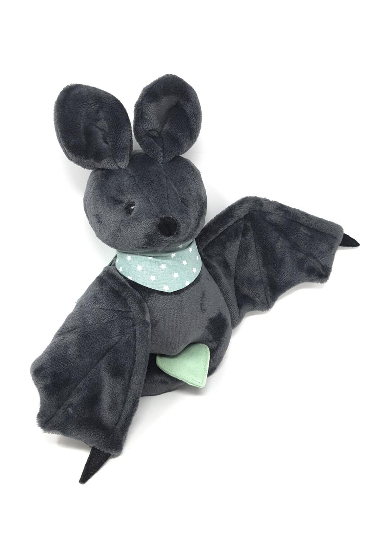 Personalisiertes Kuscheltier für Spieluhr Fledermaus dunkelgrau Gr. 30 cm, Plüschtier Fledermaus mit Namen und Wunschmelodie, süßes Geschenk für Geburt, Taufe, Geburtstag