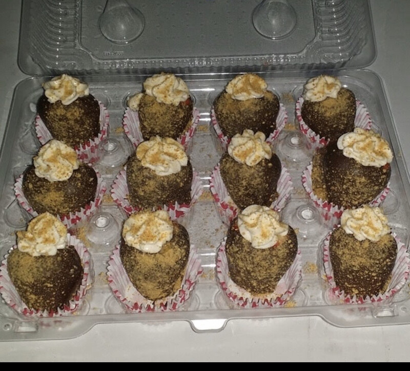 Chocolate Covered Stuffed Cheesecake Strawberries (6)