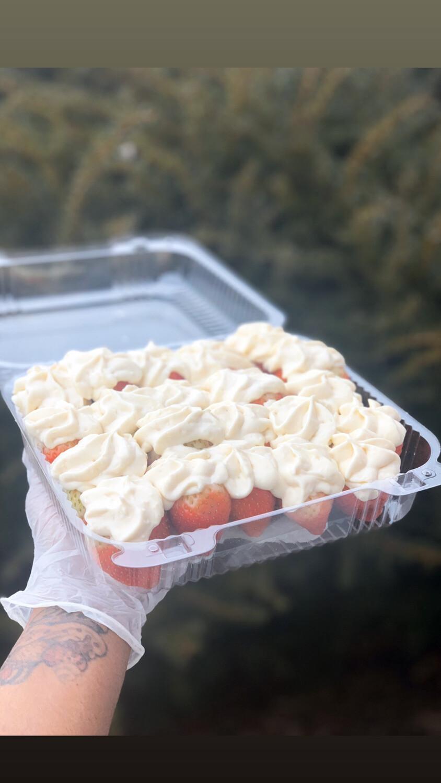 Large Stuffed Cheesecake Strawberries