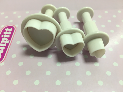 Cake Star Plunger Cutters -HEARTS - Σετ 3τεμ κουπ πατ Καρδιές με Εκβολέα
