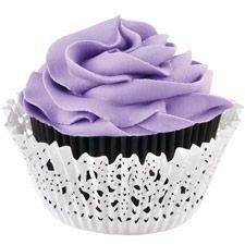 Wilton Cupcakes Cases & Doily -Black & White- pk/48 - Θήκες ψησίματος μαύρες και περιτυλίγματα με σχέδιο βελονάκι 24 + 24τεμ ∞