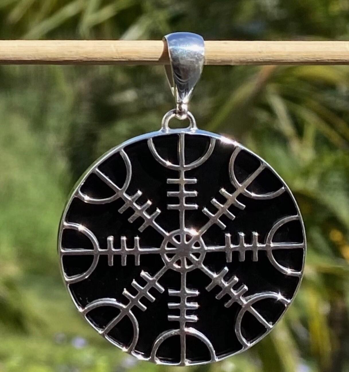 Helm of Awe Talisman