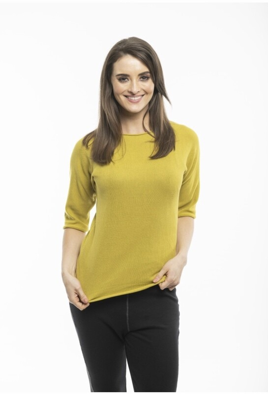 Elbow sleeved knit top