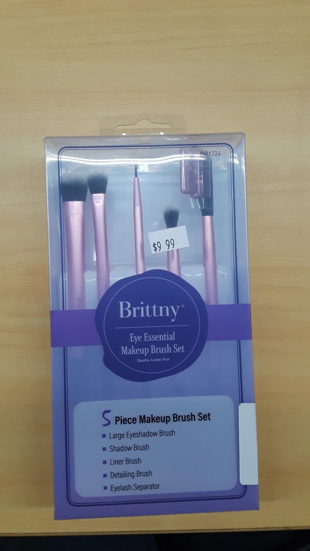 Brittny Eye Essentials