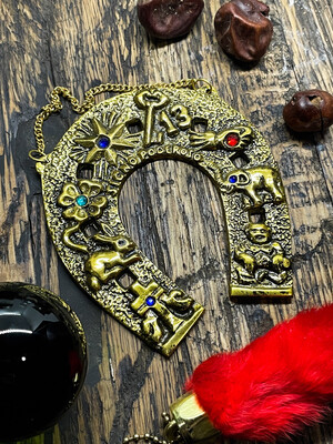 Horse Shoe brass decorated
