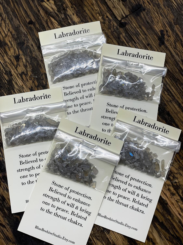 Labradorite chips
