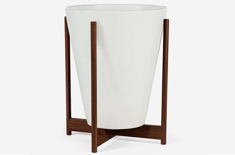 Modernica Case Study® Large Funnel