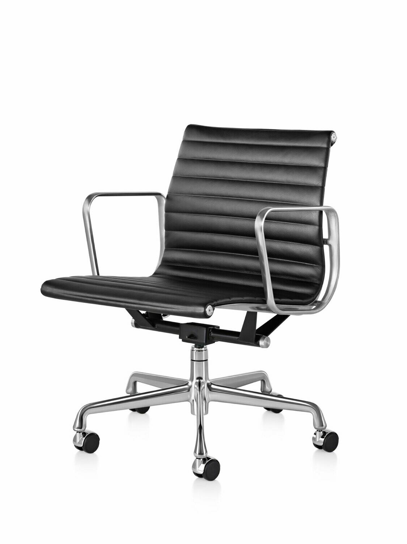 Herman Miller Eames® Aluminum Group Management Chair