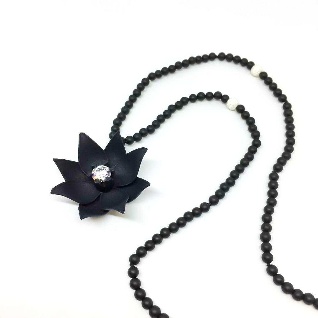"""Collier """"Bloom"""" - Polyamide noir (impression 3D), onyx noire, argent et oxyde de zirconium Swarovski"""