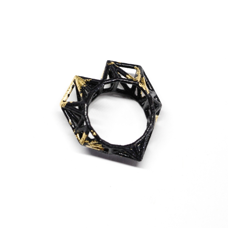 """Bague """"Portobello"""" - imprimée en 3D en polyamide noir et dorée à la feuille"""
