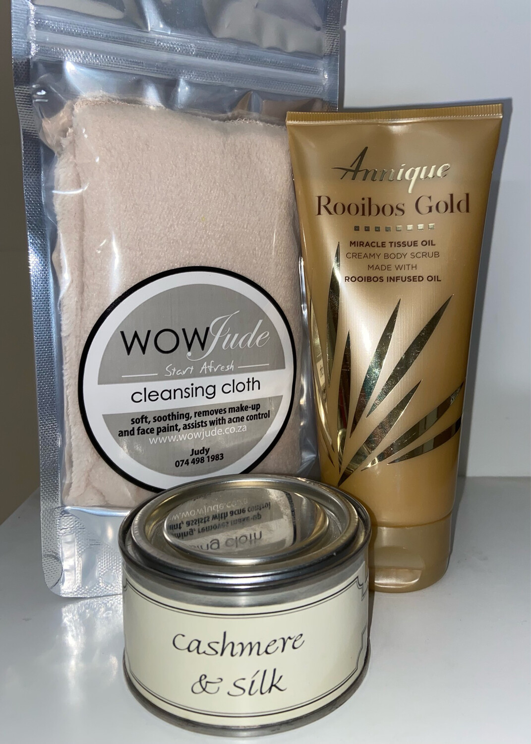Mothers Day Gold Scrub Annique Gift Pack