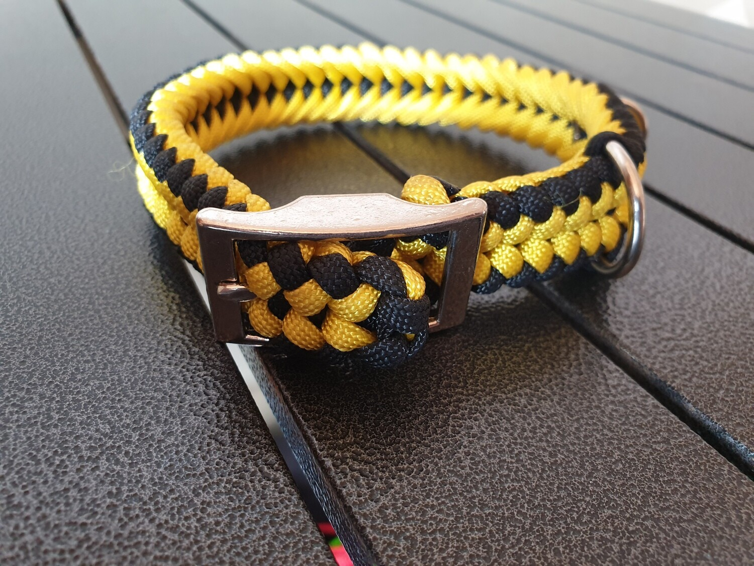 Black and Yellow small collar