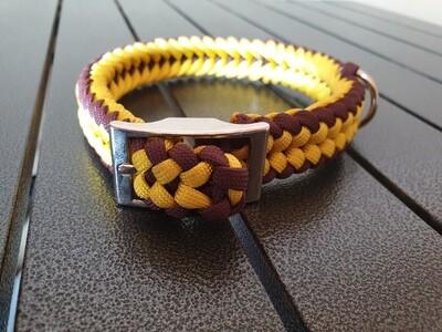 Yellow and burgundy small collar