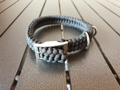 Black small collar