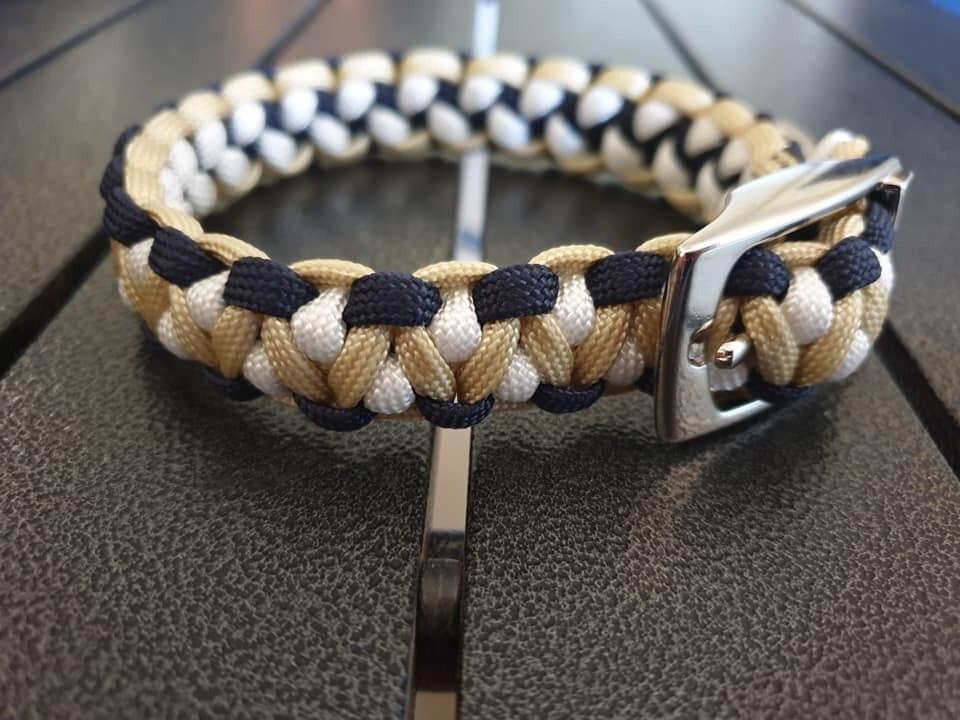 Biege, White and Navy Drakon Collar