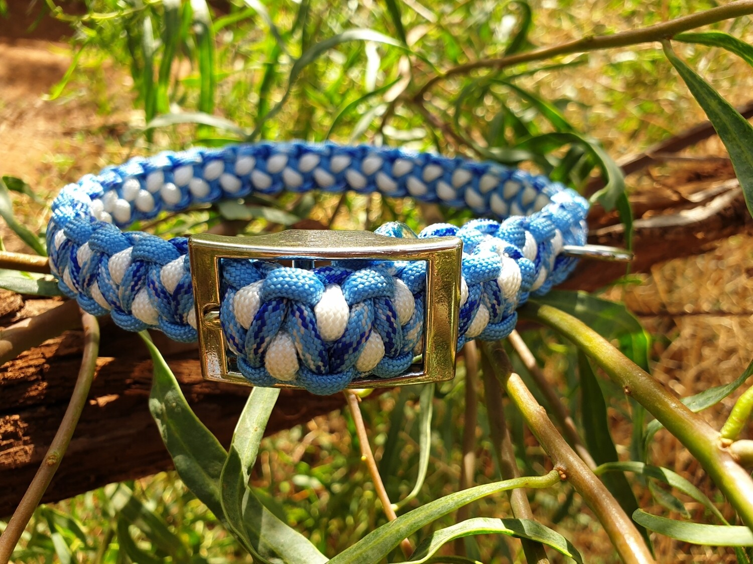 Blue and white drakon collar