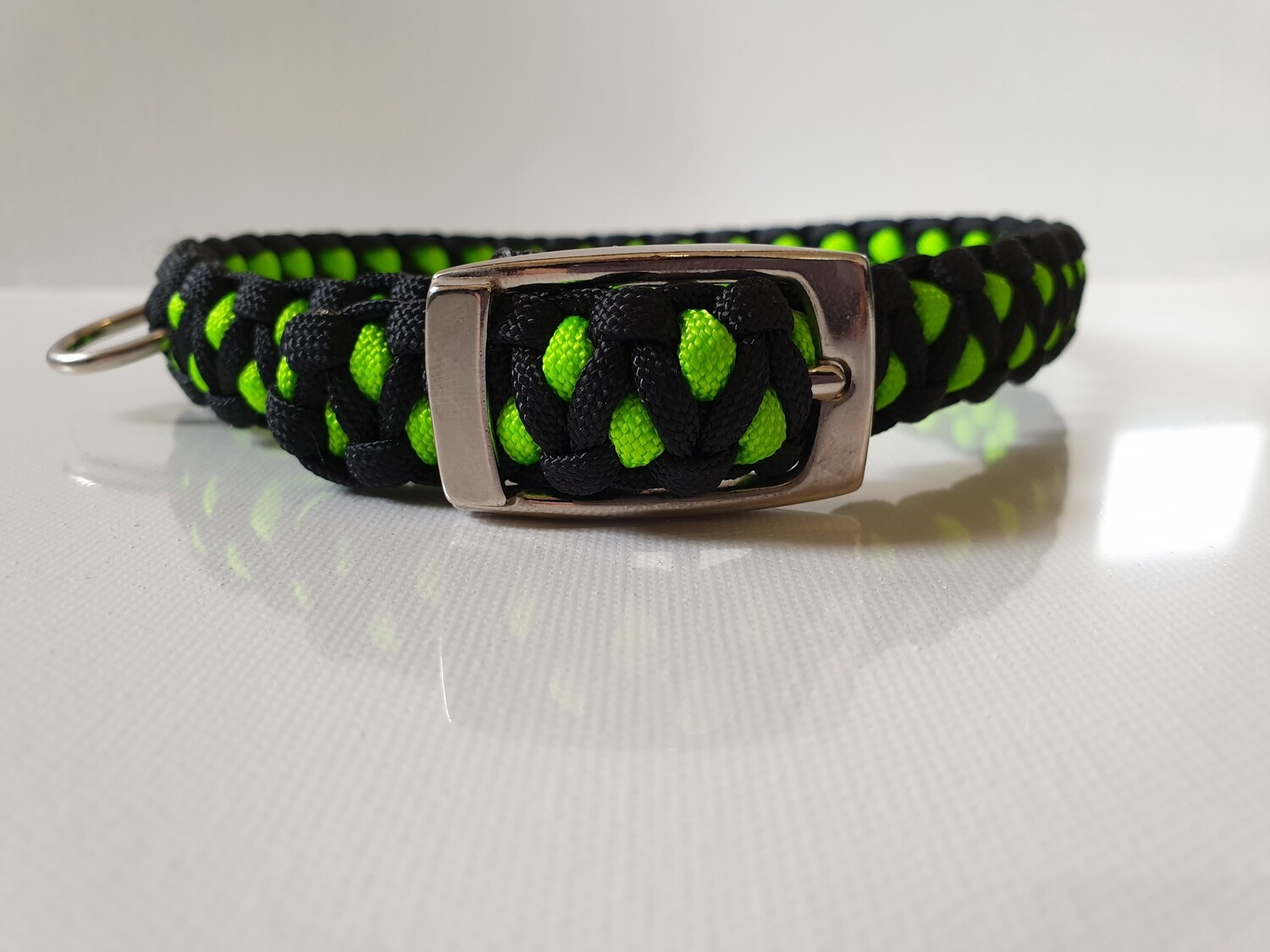 Drakon Medium Lime Green/Black Dog Collar