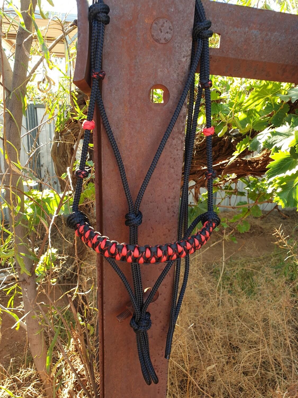 Drakon Midnight Black/Red Rope Halter