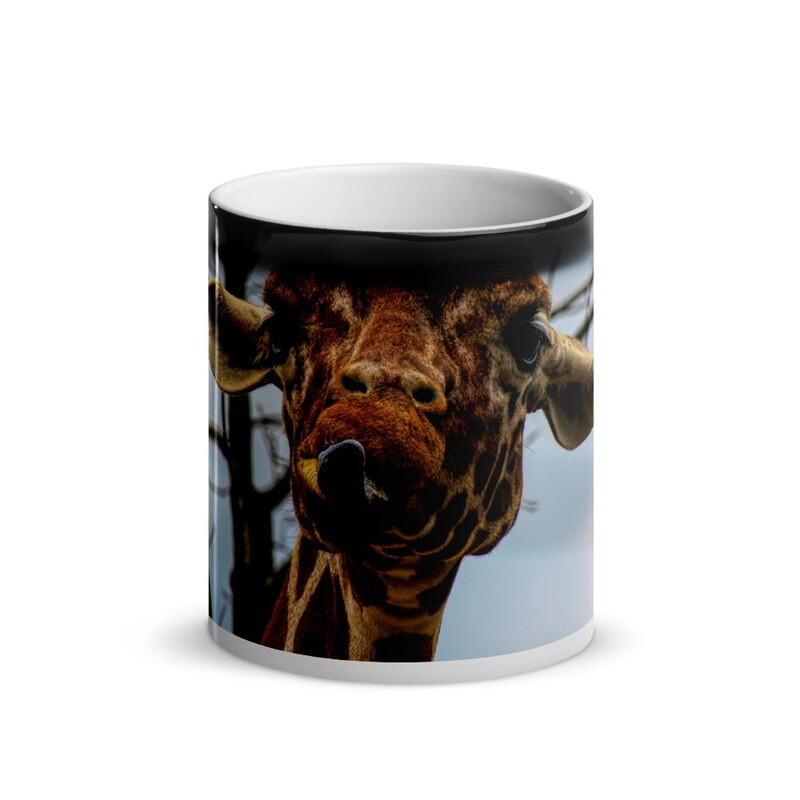 Giraffe with Attitude_138 Glossy Magic Mug