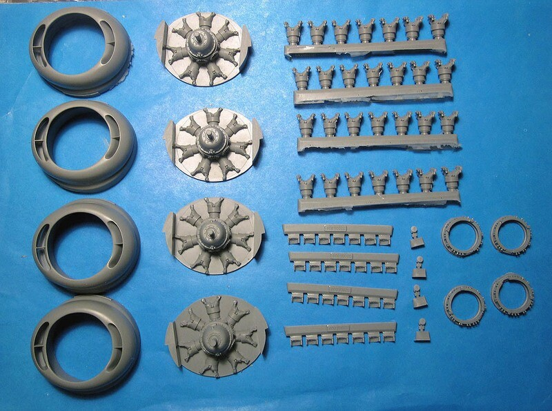 1/32 B-24 Liberator corrected engines and cowls  Vector resin  #VDS32-013