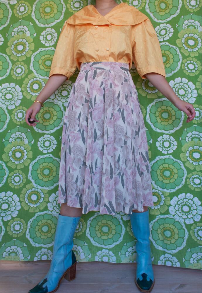 Flowery retro skirt