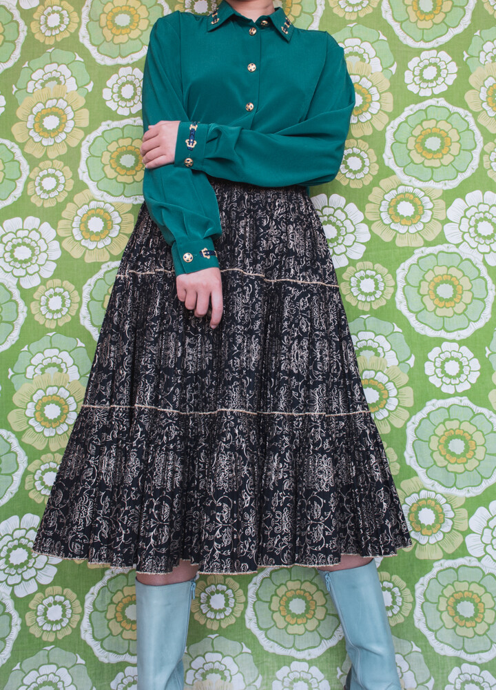 Black cotton pleated skirt
