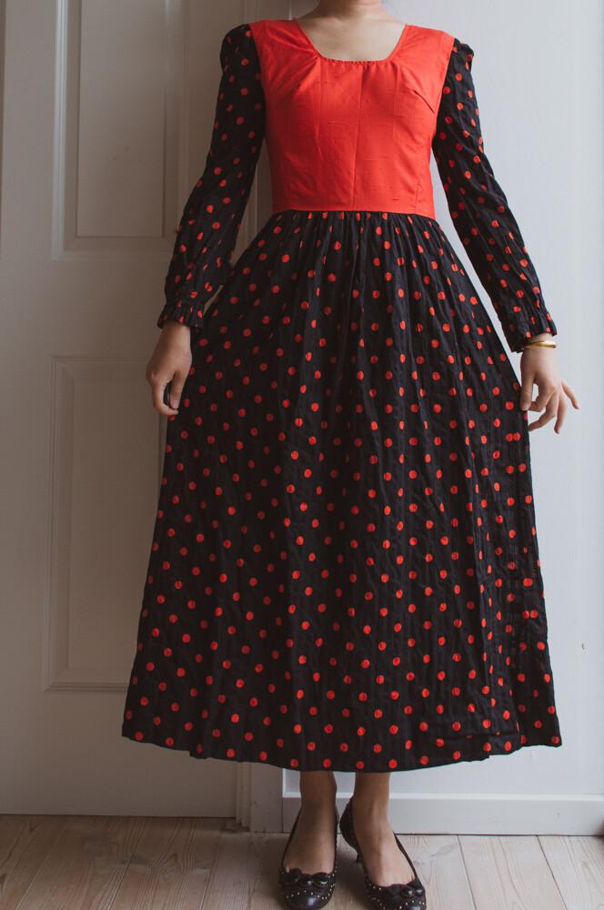 Red polka dot dress S/M