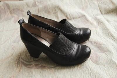 Clark shoes size 37