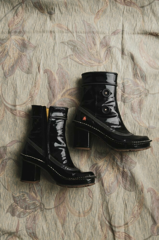 Arts boots size 37