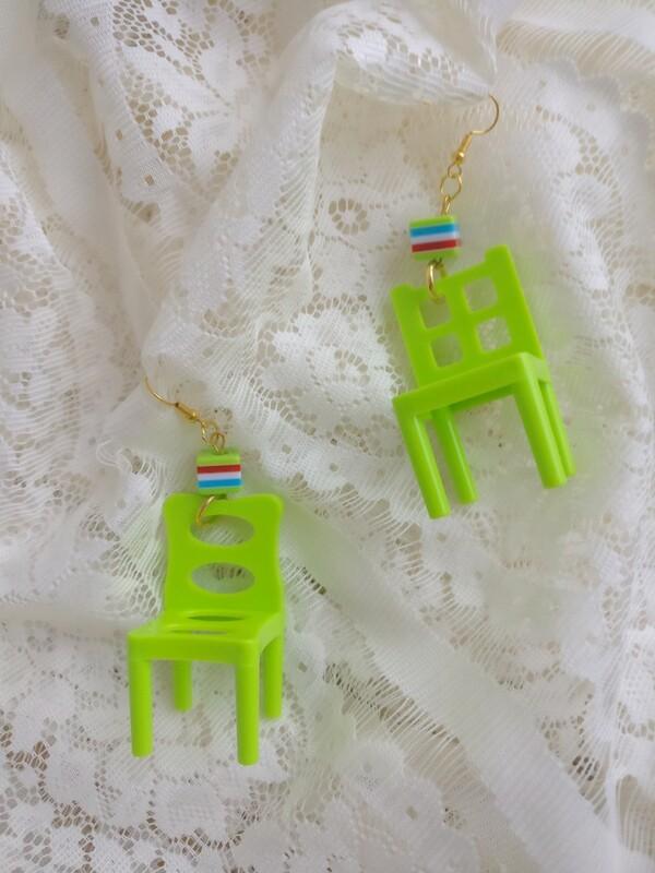 Toy chair earrings/clips 6cm