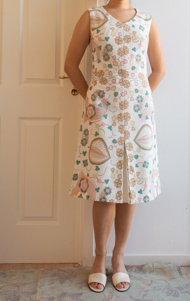 White retro dress M