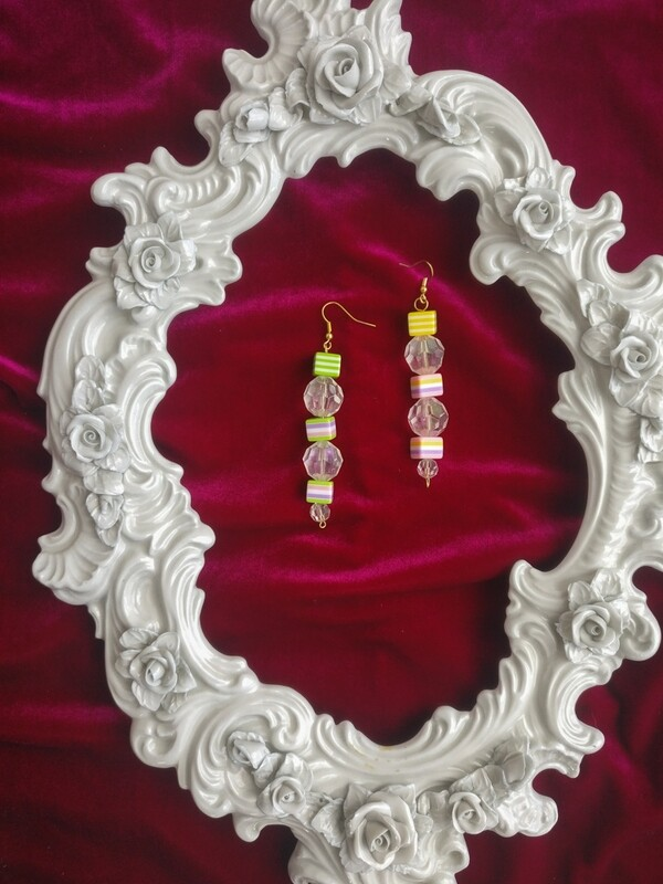 Color beads earring