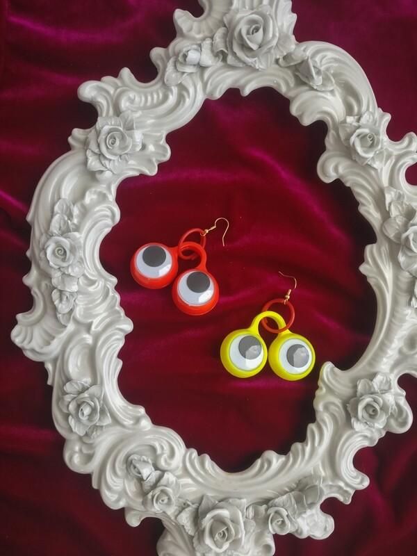 Toy eyes earrings