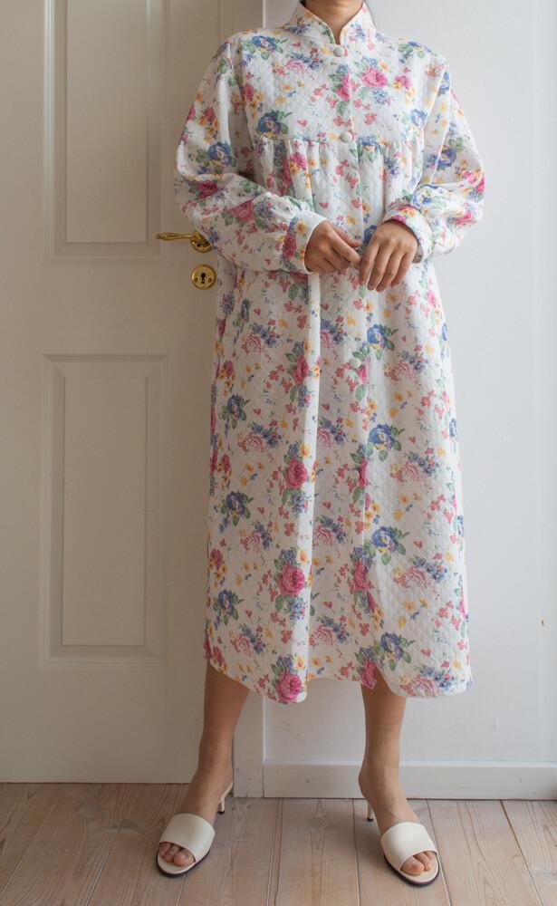 White flower robe L