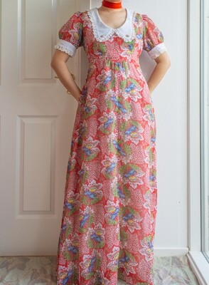 Antique-inspired dress M/L