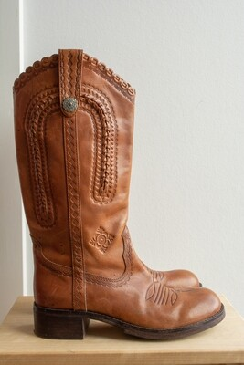 Brown boots 38