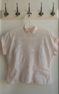 Retro lace shirt