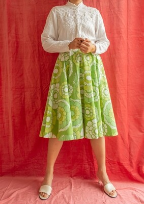 RV made full circle cotton skirt M