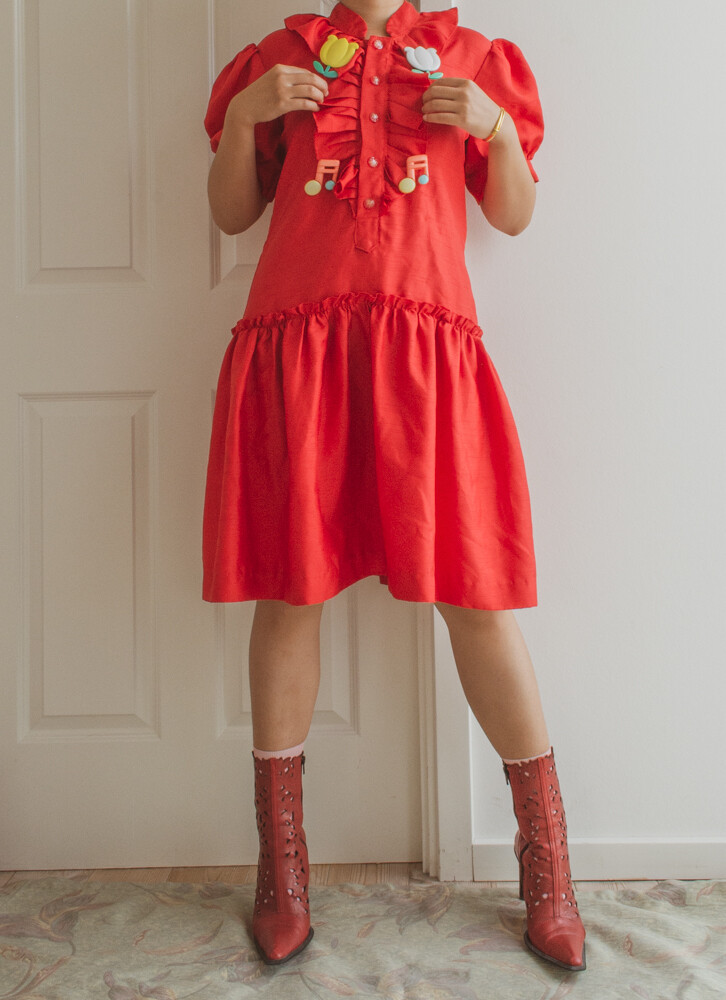 red ruffle dress M/L