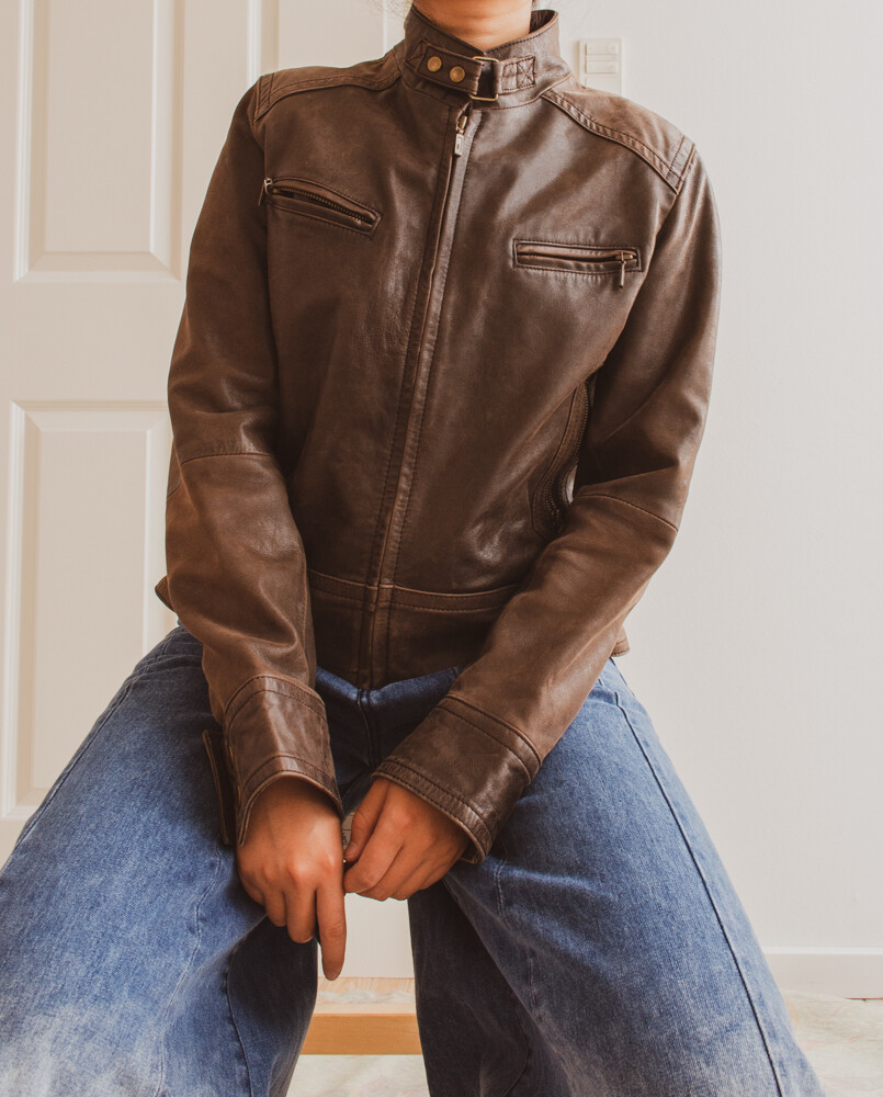 Dark brown leather jacket M/L