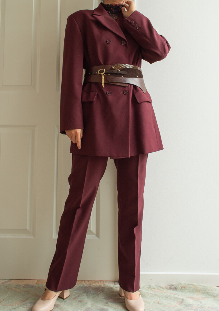 Brown-red suit L/XL